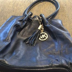 Micheal Micheal Kors Black Leather Shoulderbag